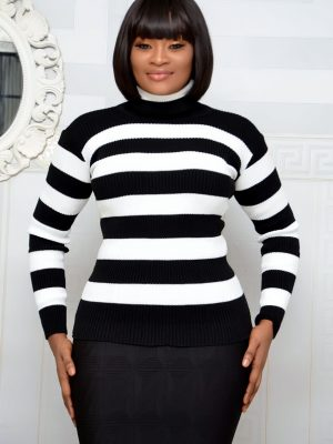 BLACK AND WHITE TURTLE NECK TOP