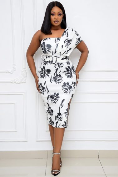 WHITE AND BLACK PRINT BELTED MONO-STRAP DRESS